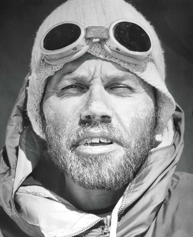 Pohoří Hindúkuš-Pákistán-Tirič Mír Jan Červinka na fotografii Viléma Heckela 1967  |   Hindu Kush-Pakistan-Tirich Mir Jan Cervinka by Vilem Heckel 1967