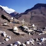 126 - Aconcagua, Horolezecký hřbitov (40x60)