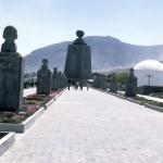 141 - Památník - střed zeměkoule (30x45)