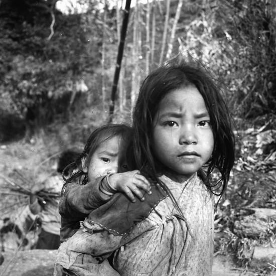 Himálaj-Nepál-Makalu Nepálské děti 1973, 1976  |  Himalaya-Nepal-Makalu Nepalese children 1973, 1976