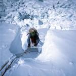 67 - Mt. Everest, Lezení v ledopádu Khumbu (60x40)